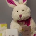 Parfüm zu Ostern als Geschenk mit Osterhase