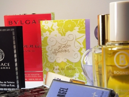 Parfüm und Schuhe farbgleich