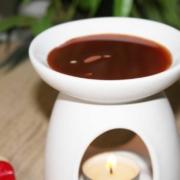 Aromatherapie mit Wachs und ätherischen Ölen