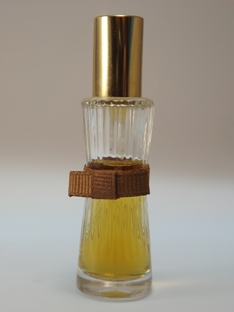 Youth Dew von Estée Lauder