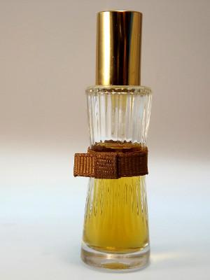 Estee Lauder Parfüm Youth Death mit Weihrauch