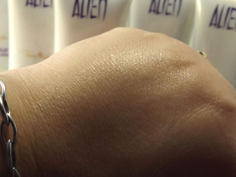 Schimmer der Alien Parfüm Bodylotion