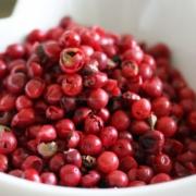 Rosa Pfeffer in Parfüm - so duften die roten Beeren