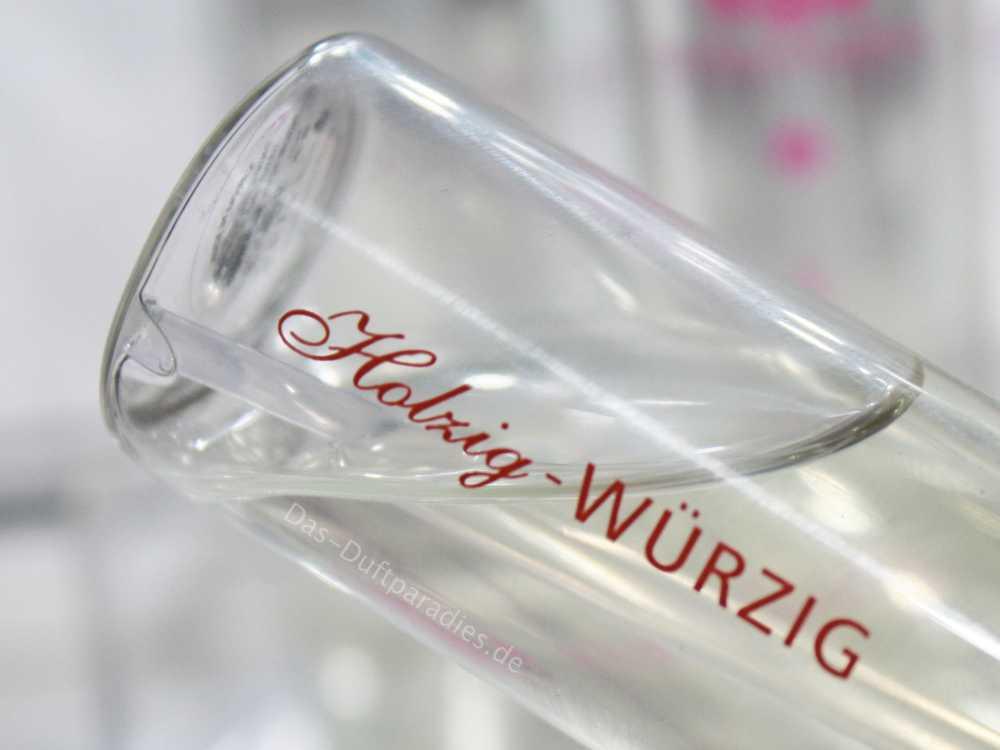 Beliebte maskuline Duftnoten: holzige & würzige Duftbausteine